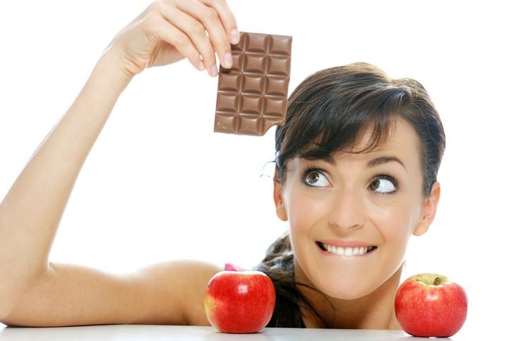 Choosing between chocolate and apple